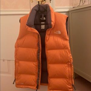 Woman's north face vest 700 style